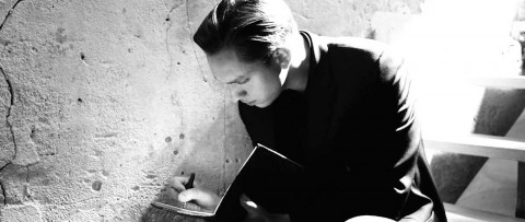Oliver Sim, de The XX, chico Dior Homme.